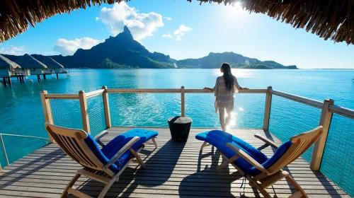 波拉波拉艾美度假村位于波拉波拉岛太平洋环礁泻湖海岸正对波拉波拉